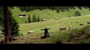Scène minable ou les vaches sont un orchestre, les cloches leurs instruments...